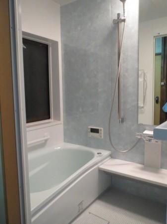 今回ホームプロを通じてサンエキさんを知り、浴室まわりをお願いしました。
